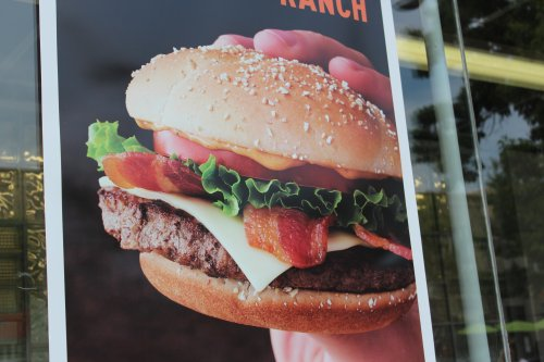 Washington woman arrested for dropping pants and causing a beef at Seattle burger joint