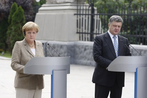 Ukrainian President dissolves Parliament, announces early elections