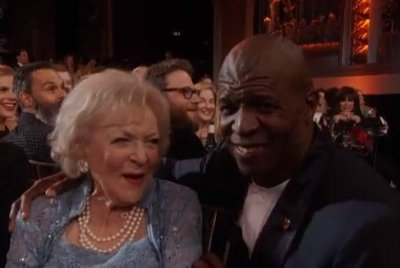 Terry Crews serenades Betty White with 'The Golden Girls' theme