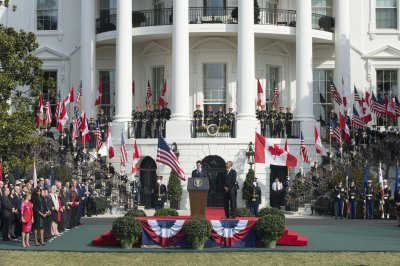 Obama, Trudeau agree on climate change efforts