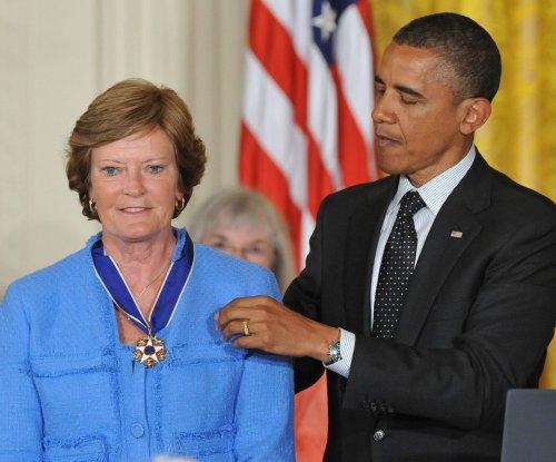 President Obama praises Pat Summitt's impact