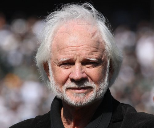 Football Hall of Fame should have honored Ken Stabler when he was alive