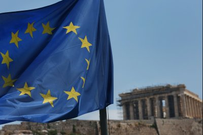 Eurozone nations agree on 'historic' Greek debt relief deal