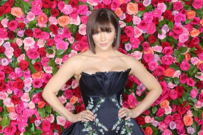 Katharine McPhee postpones tour due to 'extreme vocal fatigue'