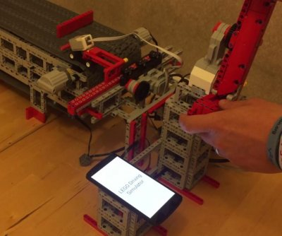 Inventor's 'Lego driving simulator' shows dangers of cellphone use