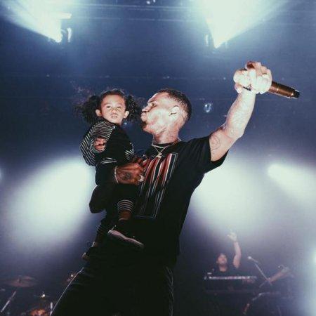 Chris Brown brings daughter Royalty onstage during concert