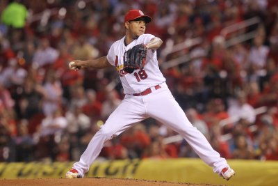 Carlos Martinez helps St. Louis Cardinals beat Milwaukee Brewers