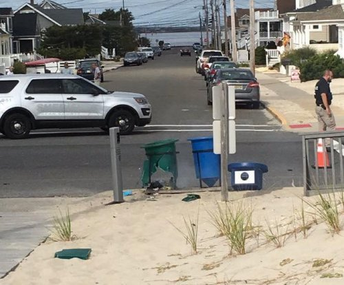 Pipe bomb in trash can explodes during charity race in New Jersey
