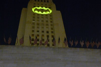 Adam West honored with Bat-signal ceremony in Los Angeles