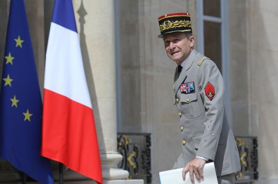 French defense chief de Villiers quits over clash with Macron