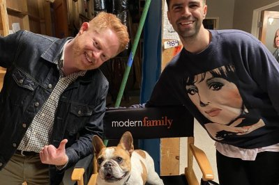 Jesse Tyler Ferguson mourns 'Modern Family' dog: 'We love you'