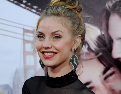 Kelli Garner to play Marilyn Monroe in Lifetime miniseries