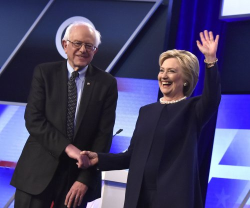 Sanders wants another shot at Clinton in N.Y. debate