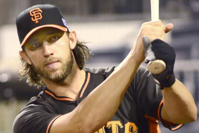 Madison Bumgarner knocks in lone run as San Francisco Giants blank Chicago Cubs
