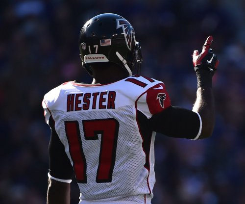 Seattle Seahawks sign veteran Devin Hester for playoffs