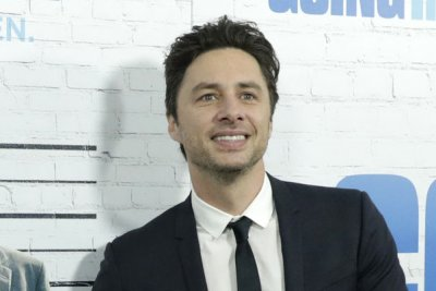 Zach Braff, Donald Faison and cast of 'Scrubs' reunite