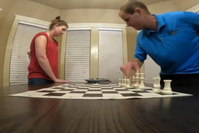 Idaho couple breaks record for setting up chess board