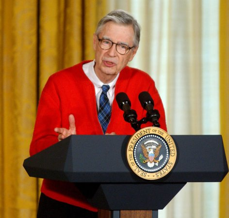 Many PBS stations boot 'Mister Rogers'