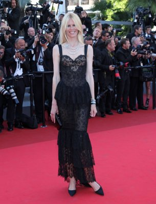 Claudia Schiffer says she turned down £1 million date