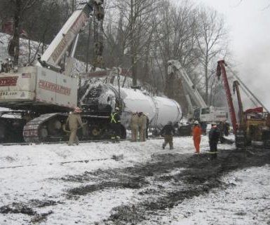 Oily-mixture removed from W. Va. derailment site
