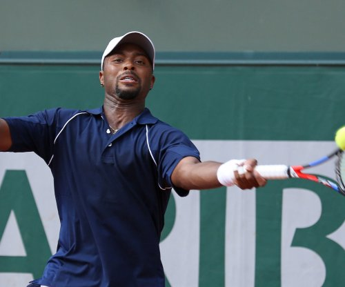 Novak Djokovic bounces Donald Young at Eastbourne