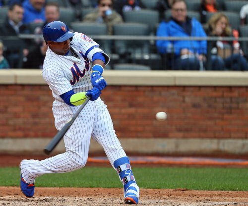 Mets' Yoenis Cespedes homers directly into bullpen garbage can