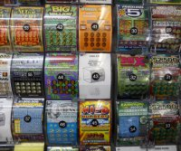 Maryland woman chose $100,000 lottery ticket with her eyes closed