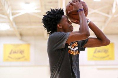 NBA Draft 2017: Top prospect De'Aaron Fox signs with eSports sponsor