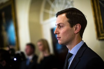 Jared Kushner receives permanent White House clearance