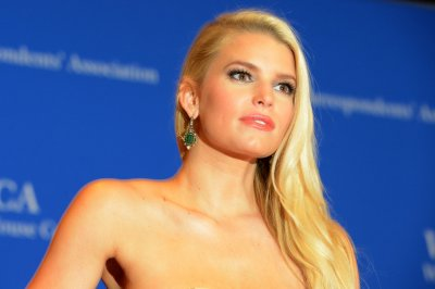 Jessica Simpson recovering after week-long hospitalization