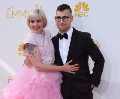 Lena Dunham says Jack Antonoff is 'dear friend': 'I love him so much'