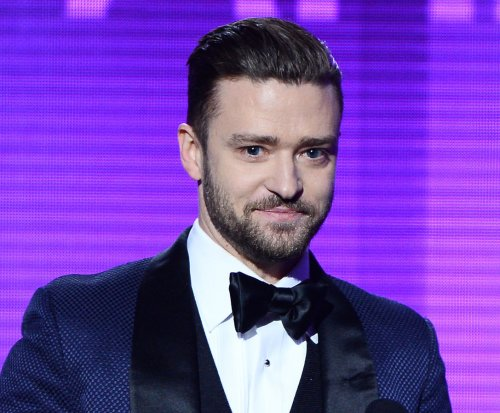 Justin Timberlake tears up over gift from 10-year-old fan [VIDEO]