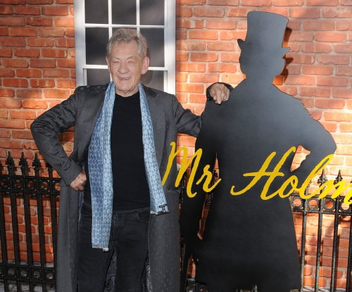 Ian McKellen, Patrick Stewart kiss at movie premiere