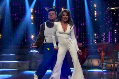 Paula Abdul, James Corden recreate 'Opposites Attract' music video
