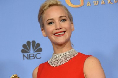 Jennifer Lawrence signs on to play Fidel Castro's lover in 'Marita'