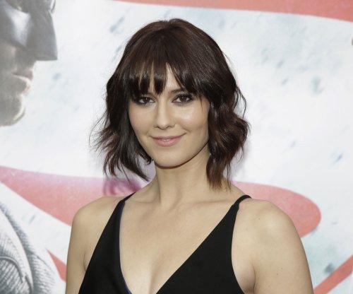 Mary Elizabeth Winstead joins 'Fargo' ensemble for Season 3