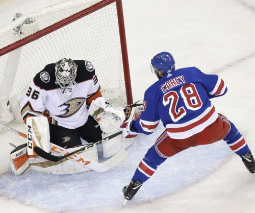 Paul Carey, Henrik Lundqvist carry New York Rangers past Anaheim Ducks