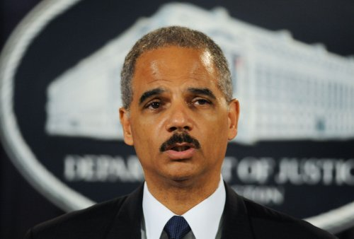 Holder: DOJ to ensure no Ariz. profiling