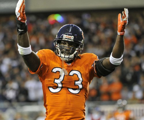 Carolina Panthers sign Charles Tillman, longtime Bears cornerback