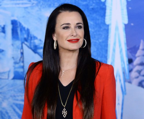 Kyle Richards visits mourning Ali Landry, husband after relatives' deaths