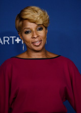 Mary J. Blige's father allegedly stabbed by ex-girlfriend