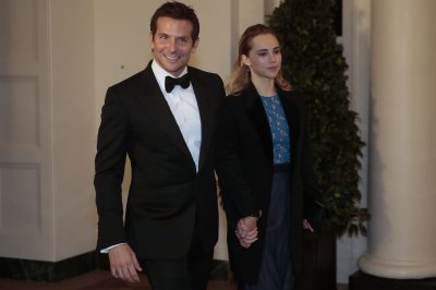 Bradley Cooper admits to going commando for White House state dinner [VIDEO]