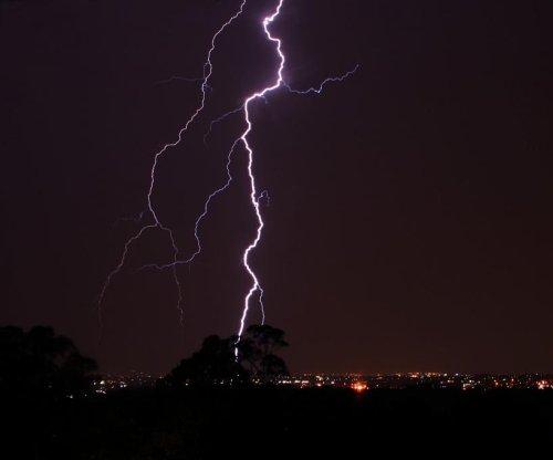 Florida woman killed by lightning strike on Mogollon Rim in Arizona