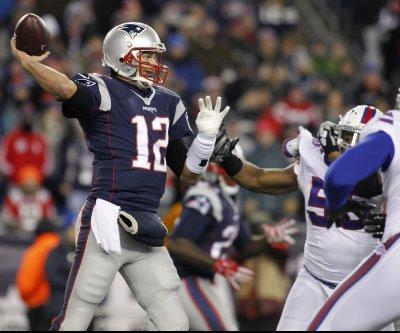 Patriots QB Tom Brady upset with officiating