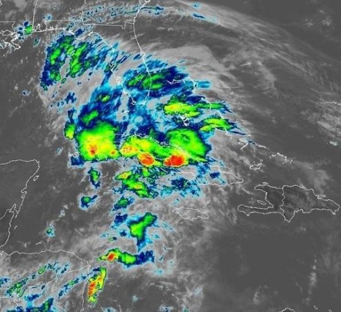 Alberto slows, shifts west on path toward Gulf Coast