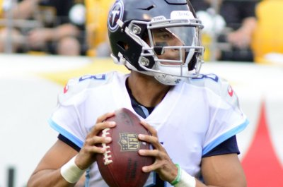 Titans' Mariota at mercy of nerve issue vs. Jaguars