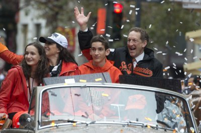 San Francisco Giants CEO Larry Baer has physical altercation with wife