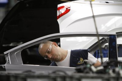 Fiat Chrysler, UAW reach tentative labor agreement