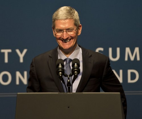 Apple CEO Tim Cook: Auto industry due for 'massive change'