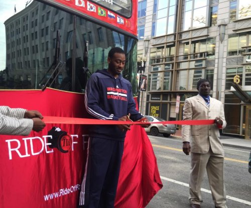 Wizards star John Wall inducted into Ride of Fame